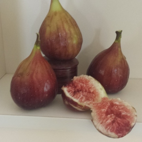 Fabulous Figs with Chocolate NutMeringue
